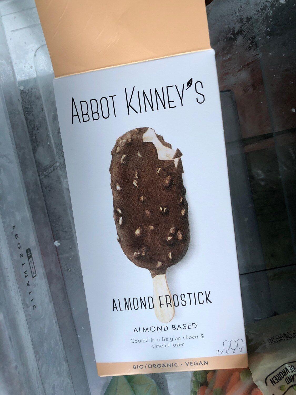 Glace au chocolat et amandes - Product - en