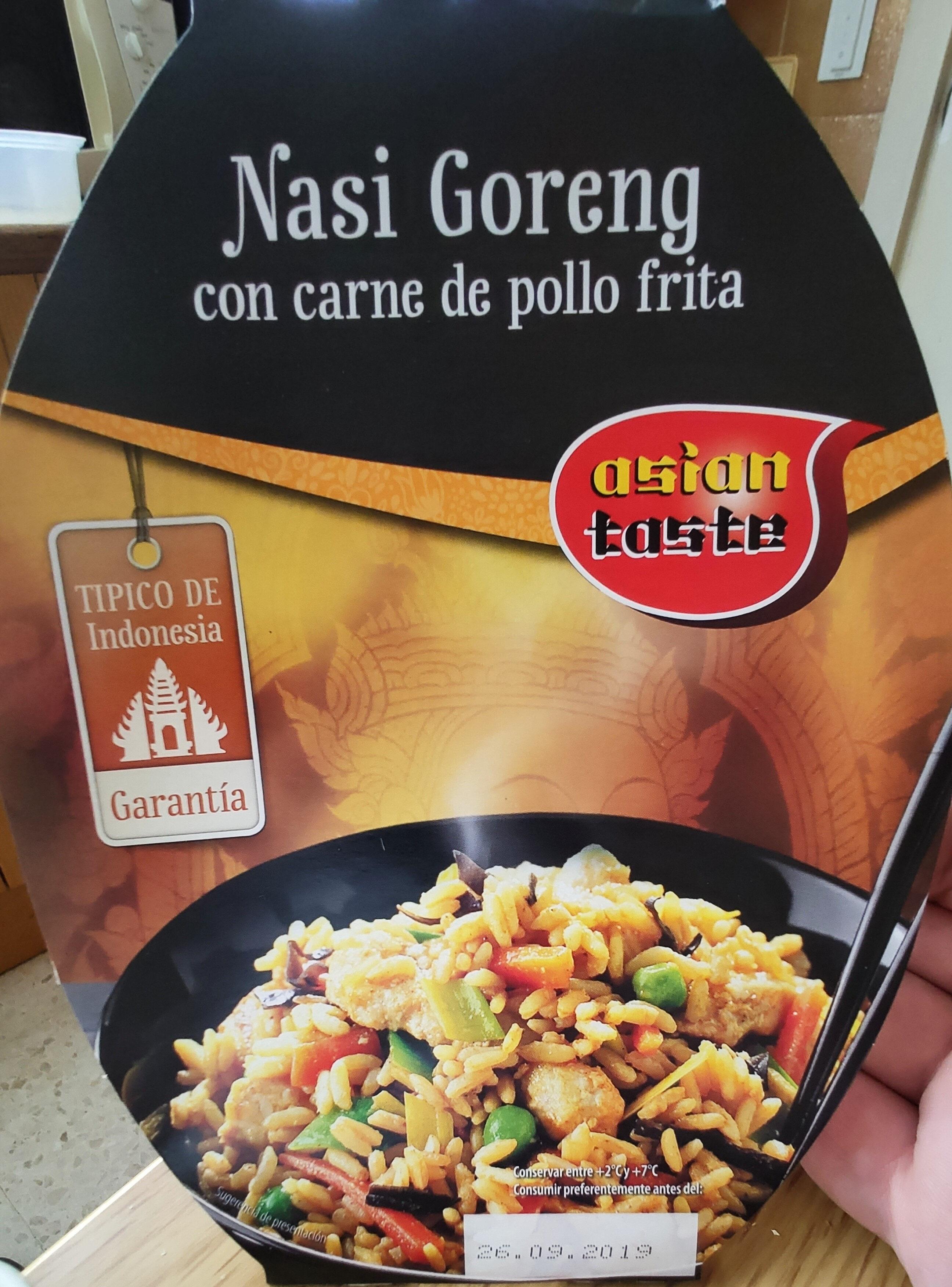 Nasi Goreng con carne de pollo frita - Product - es