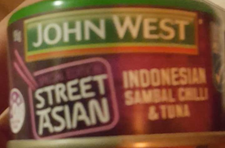 John West Street Asian Indonesian Sambal, Chilli & Tuna - Product - en