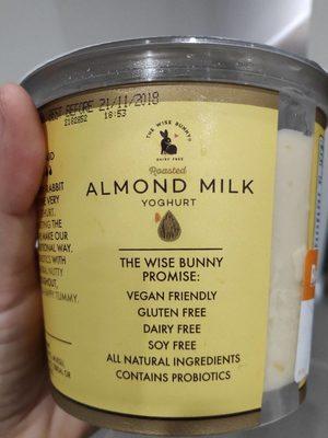 Almond milk yoghurt - Produit