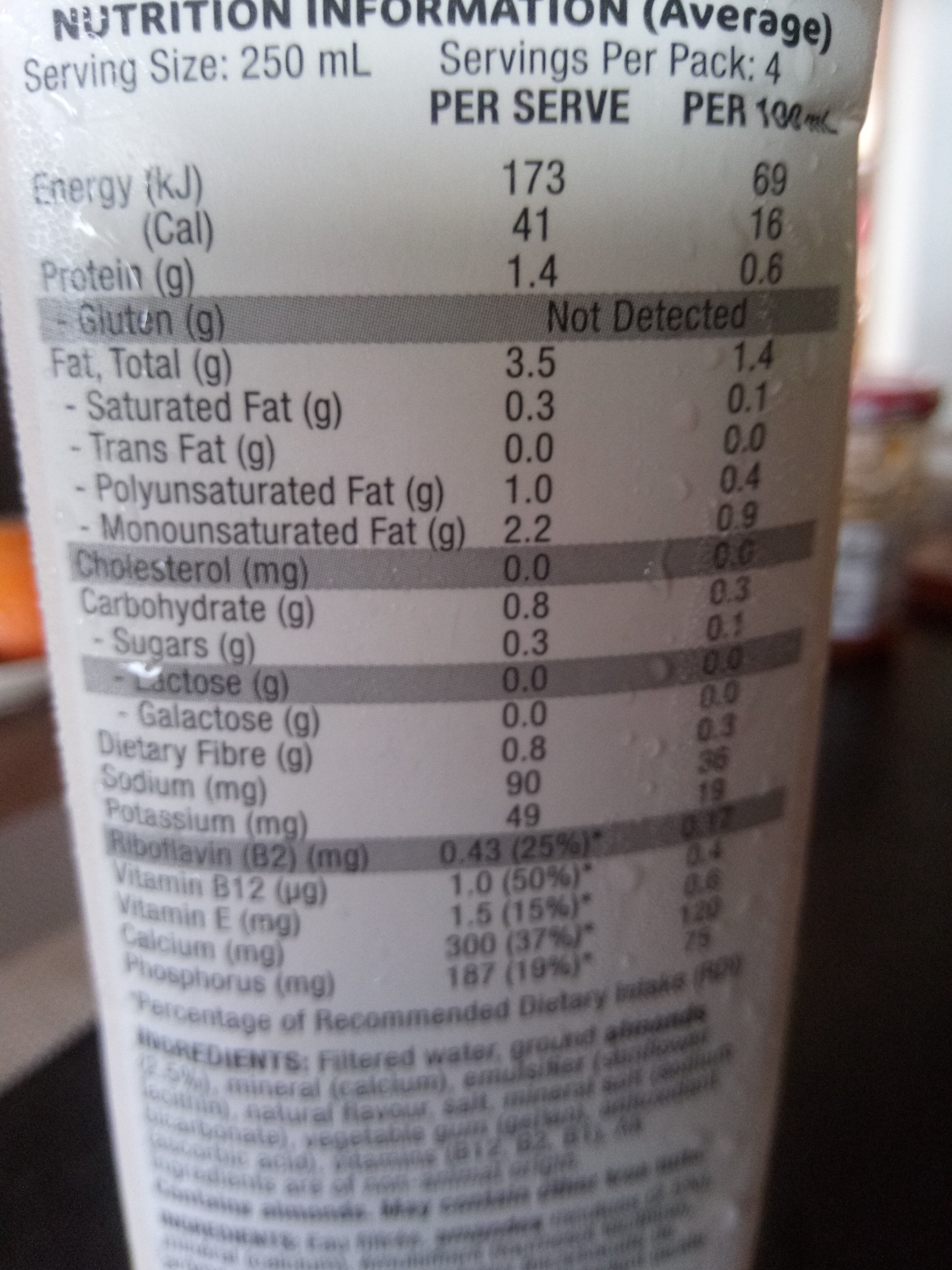 So Good Unsweetened Almond Milk Dairy Substitute Uht - Nutrition facts - fr