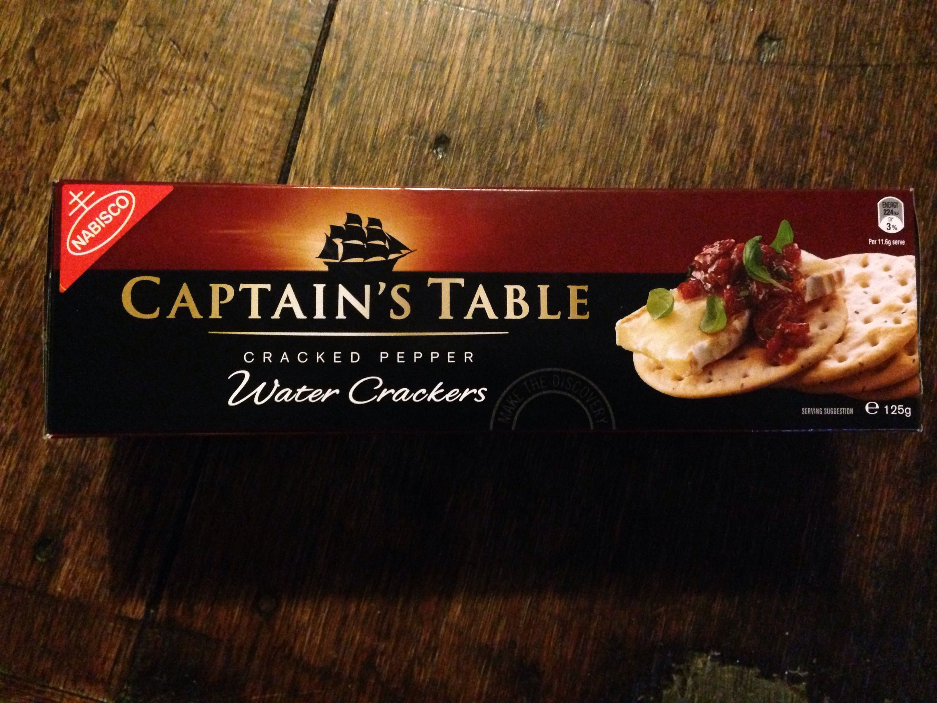 Captain's Table Cracked Pepper Water Crackers - Product - en