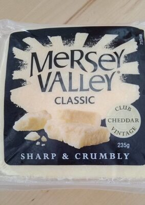 Classic sharp and crumbly cheddar - Product - en