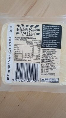 Classic sharp and crumbly cheddar - Nutrition facts - en