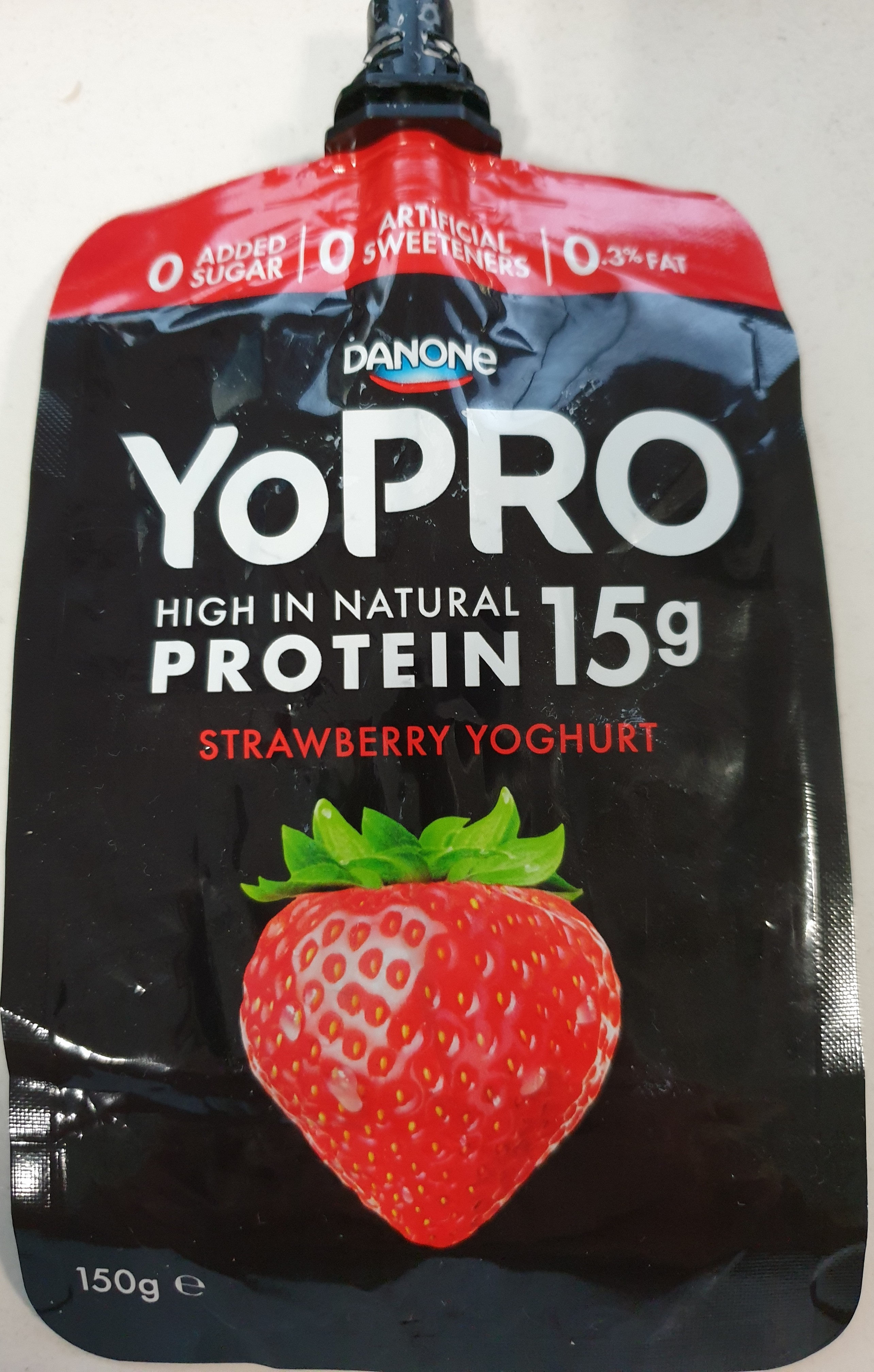 YoPro strawberry yoghurt - Product - en