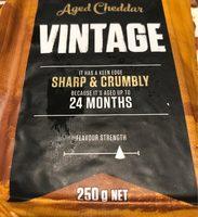 Vintage Cheddar Cheese Block - Produit - fr