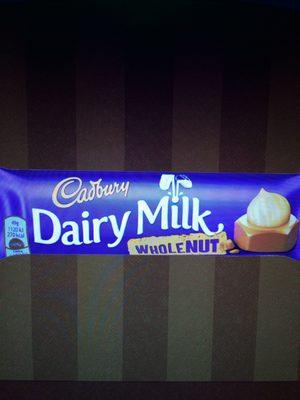 Cadbury dairy milk chocolate bar wholenut - Prodotto - en